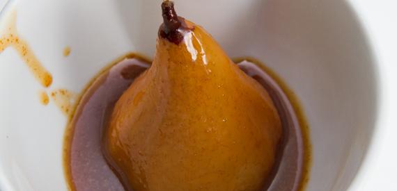 Poached Pears w/Caramel Cinnamon Sauce